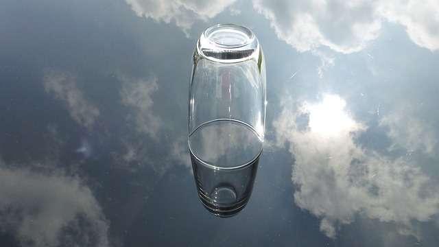 glass-475452_640